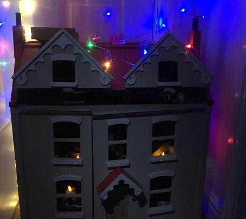Light up wooden dolls house